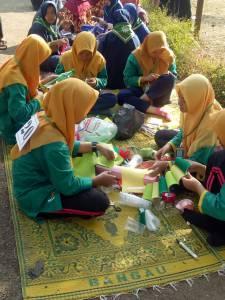 Proses HAsta Karya Berkelompok Anak Anak Panti Putri Aisyiyah Jawa Tengah